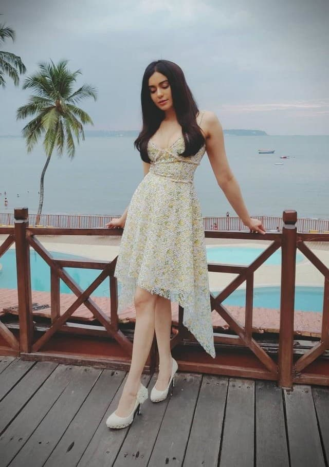 bollywood actress adah sharma looks so stylish and glamrous in these photos