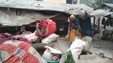 हाईवे किनारे रहने वाले सोलह परिवारों को मिली पक्की छत