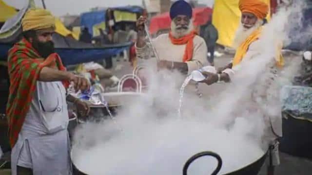 सिंघू बॉर्डर: लंगरों की वजह से स्थानीय होटलों का बजट बिगड़ा, बंद होने की आई नौबत