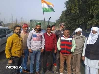 15 और ट्रैक्टरों के साथ दिल्ली रवाना हुए तीन गांवो के किसान