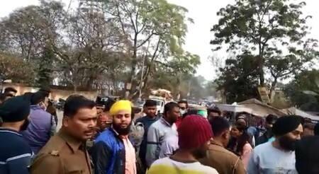 एबीएम कॉलेज के पास छात्रा के साथ छेड़खानी, विरोध करने पर मंगेतर को पीटा