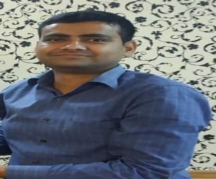 सीनियर डीसीएम अखिलेश पांडेय को जीएम अवार्ड