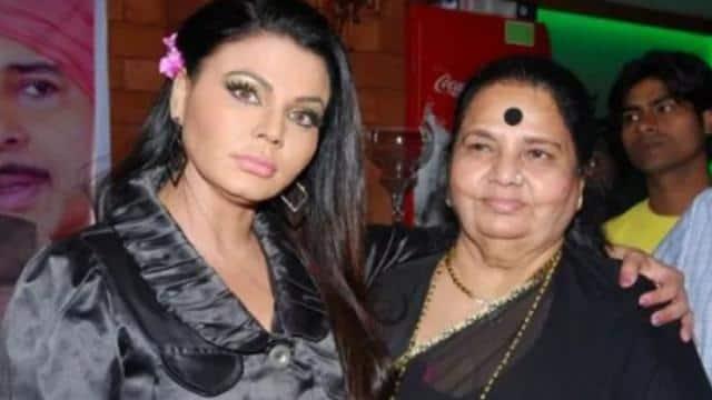 राखी सावंत की कैंसर पीड़ित मां से मिले विकास गुप्ता, ऑपरेशन को लेकर की बात