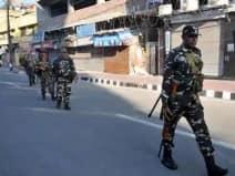 श्रीनगर के नवा बाजार में आतंकियों ने सुरक्षा बलों पर फेंका ग्रेनेड