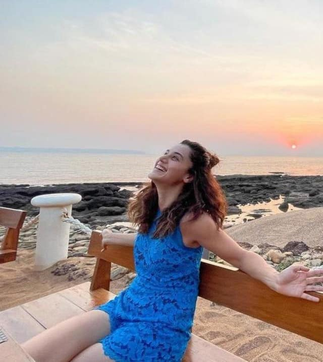 bollywood actress taapsee pannu looks so stylish in these pics