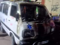 छात्रों ने मालिक के सामने की पिटाई तो एम्बुलेंस पर उतरा चालक का गुस्सा