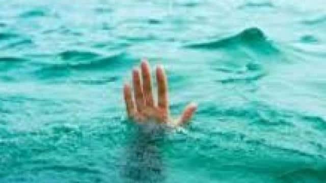 समस्तीपुर: मोबाइल व घड़ी पुल पर रख युवक ने नदी में लगा दी छलांग, घटना से पहले वीडियो बना दोस्तों को भेजा