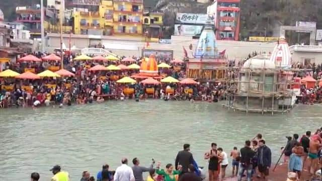 Information about Ganga Dussehra 2021, its significance, and what people are saying about it