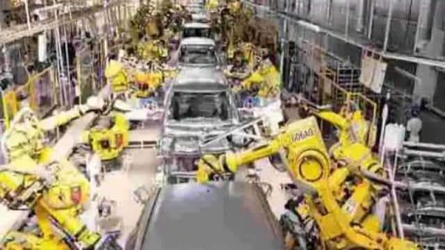 कोविड-19 का प्रभाव:विनिर्माण गतिविधियां अगस्त में सुस्त हुईं