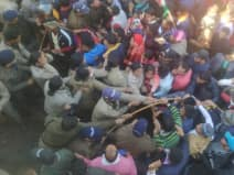 बजट सत्र: ग्रामीणों पर लाठीचार्ज की कांग्रेस ने की निंंदा, जिला मुख्यालयों में होगा प्रदर्शन