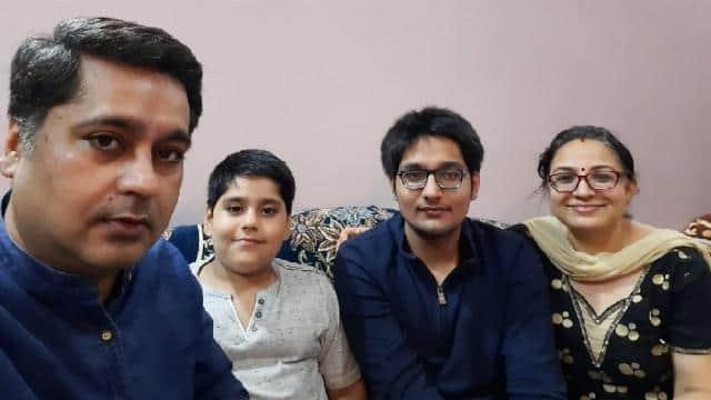 pravar kataria delhi with his parents