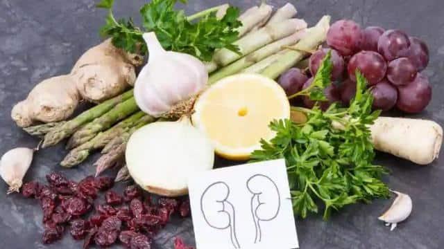 ये 5 सिंपल मगर हेल्दी फूड हैं आपकी किडनी के बेस्ट फ्रेंड, जानिए क्यों जरूरी है इन्हें अपने आहार में शामिल करना