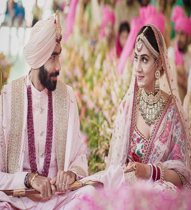 संजना ने किया जसप्रीत बुमराह को क्लीन बोल्ड- देखें शादी की तस्वीरें