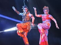 कपिलवस्तु महोत्सव में दुर्गा बन मालिनी ने मंत्रमुग्ध किया