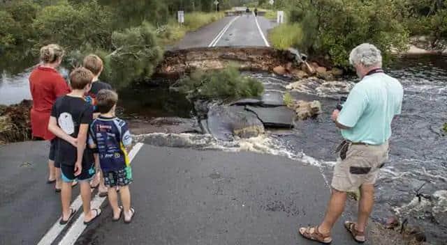 PHOTOS:ऑस्ट्रेलिया में विनाशकारी बाढ़ का कहर, पानी में डूबे सैकड़ों घर