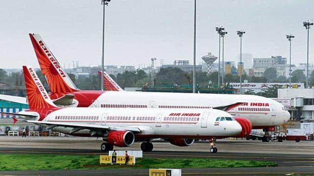 नौकरी से हटाए गए एयर इंडिया के पायलटों को राहत, दिल्ली हाईकोर्ट ने दिए दोबारा बहाली के आदेश