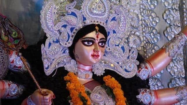 चैत्र नवरात्रि के दूसरे दिन सूर्य का राशि परिवर्तन किसे पहुंचाएगा लाभ, जानिए नवरात्रि के पहले दिन बनने वाले ग्रह-नक्षत्रों व शुभ योग के बारे में