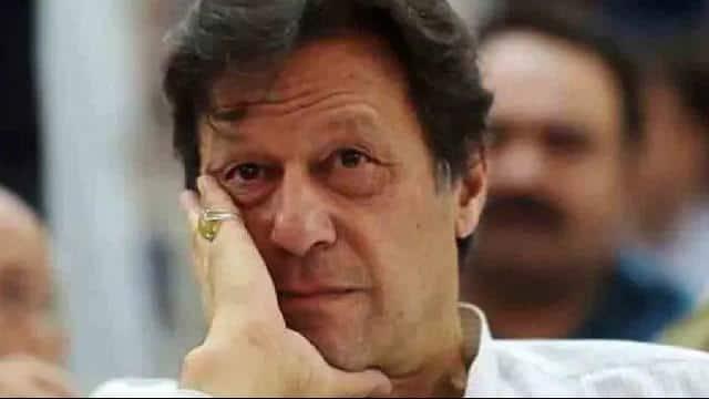 पाकिस्तानी नेता ने इमरान खान को घेरा, बोले- हार के डर से PTI चाहती है इलेक्ट्रॉनिक वोटिंग से चुनाव