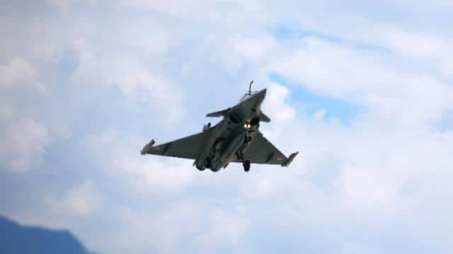 rafale with missile