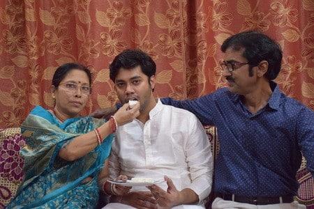 रेलवे गार्ड का पुत्र इसरो साइंटिस्ट की परीक्षा में अव्वल