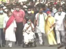 बंगाल: ममता बनर्जी ने गांधी भवन सेकोलकाता के बोबाज़ार तक कियारोड शो