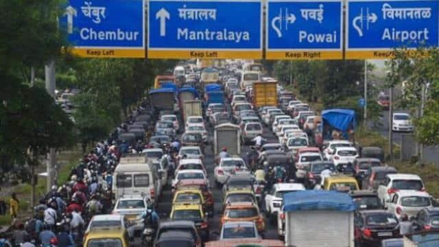 लाल, हरा और पीला! कोरोना काल के बीच मुंबई की गाड़ियों पर लगे इन स्टिकर्स का क्या है मतलब, जानें डिटेल