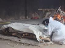 कोरोना की ये कैसी तबाही? देश में एक दिन में 3.32 लाख नए केस, 2255 मौत से हड़कंप