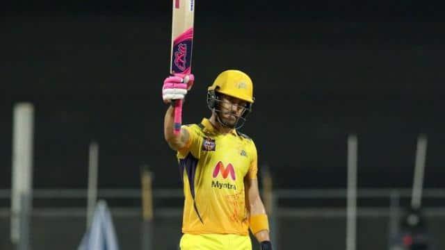 IPL 2021: MI के खिलाफ मैच से पहले CSK खेमे में आई खुशियां, प्लेइंग XI में खेलने के लिए फिट हुआ यह धुरंधर ओपनर