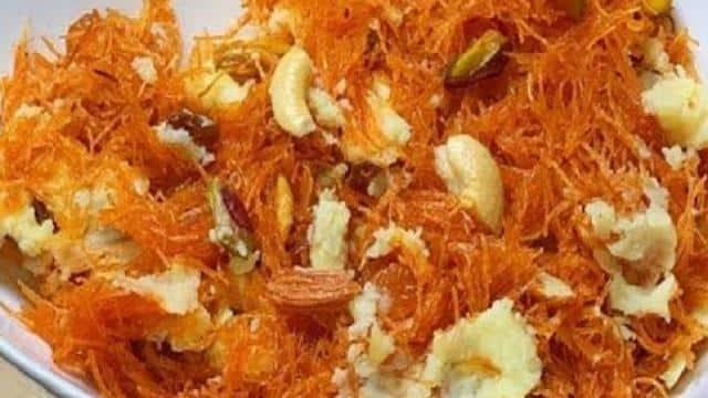 Eid Dawat Recipe: ईद की दावत पर मेहमानों को खिलाएं किमामी सेवईं, स्वाद ऐसा हर कोई हो जाएगा दीवाना
