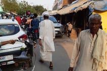 ग्रामीण बाजारों में कोरोना गाइडलाइन उड़ रही धज्जियां