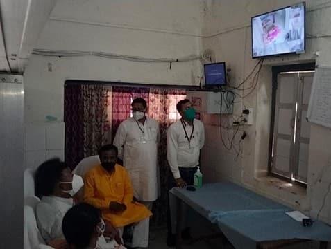 सीसी फुटेज के जरिए मंत्री ने किया अस्पताल का निरीक्षण