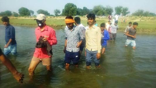जिले की तिलहर के गांव गौरीखेड़ा गांव में गर्रा नदी के किनारे जंगल में सोमवार को नर तेंदुआ का शव बरामद किया...