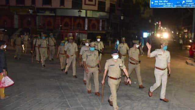 यूपी केअब सिर्फ 11 जिलों मेंकोरोना कर्फ्यू,लखीमपुर के अलावाजौनपुर और गाजीपुर में छूट