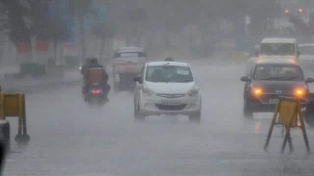 बिहार में अगले 36 घंटे के भीतर आएगा मानसून, कई जिलों में गरज के साथ भारी बारिश की चेतावनी