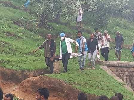 रफीगंज के यात्री भैरव प्रसाद रविवार की रात किसी ट्रेन से गिर गए। पांडरपाला के समीप स्थानीय लोगों ने भैरव को तड़पते देखा तो 108 एम्बुलेंस बुलाकर फौरन...