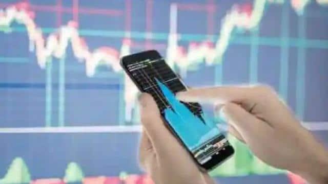 दिनभर उतार-चढ़ाव के दौर से गुजरा शेयर बाजार, सेंसेक्स 410 अंक टूटकर बंद, निफ्टी को भी बड़ा नुकसान