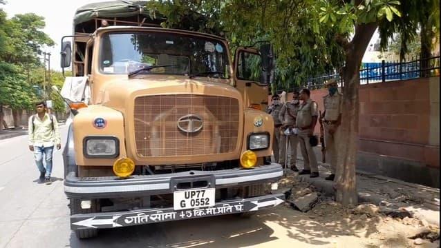 इनामी सपा नेता को पकड़ने पर कचहरी में जाल बिछाये रही पुलिस
