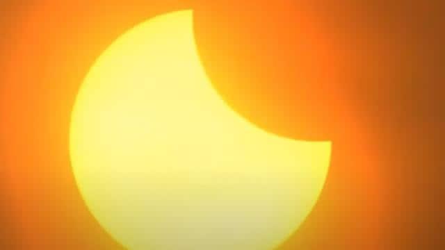 Surya Grahan 2021: समाप्त हुआ साल का पहला सूर्य ग्रहण, दिखा रिंग ऑफ फायर का अद्भुत नजारा, देखें तस्वीरें
