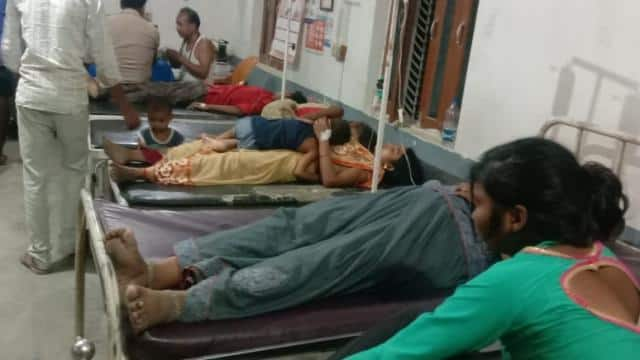 eight members of the same family deteriorated by eating chowmein in ambedkar nagar