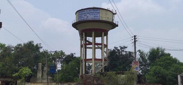 एक पानी टंकी पर 50 हजार आबादी निर्भर