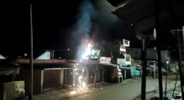 जर्जर तारों पर दौड़ाई जा रही बिजली, हादसे की आशंका