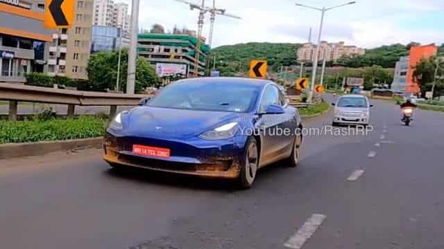Tesal की इलेक्ट्रिक कारों के लिए हो जाएं तैयार, कंपनी ने भारत में शुरू की Model 3 की टेस्टिंग, देखें VIDEO
