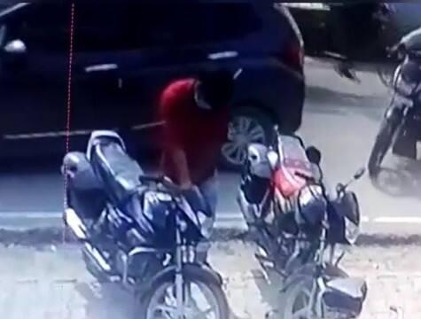 बाइक चोरी, सीसीटीवी कैमरे में चोर कैद
