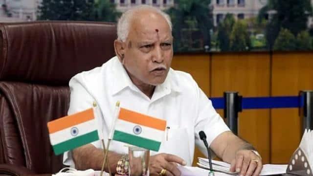 कर्नाटक में होगा नाटक? BJP विधायक बोले- सरकार चलाने की हालत में नहीं येदियुरप्पा