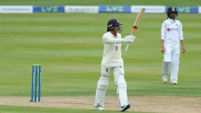 IND W VS ENG W: इंग्लैंड ने पहली पारी 396 रन पर की घोषित, स्नेह राणा ने चटकाए 4 विकेट