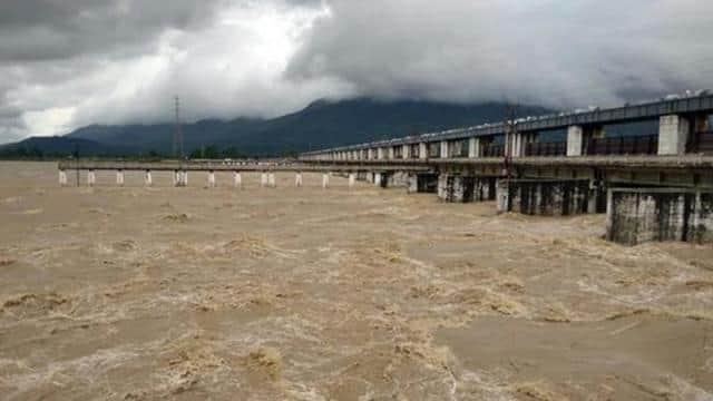बिहार के लिए आफत बनी नेपाल की बारिश, जिला प्रशासन ने जारी किया अलर्ट, यहां तबाही मचा सकती है गंडक