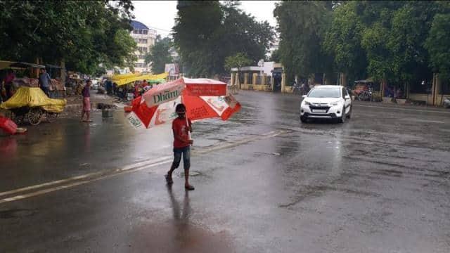 पटना सहित इन जिलों में आज भी होगी बारिश, मौसम विभाग ने जारी किया येलो अलर्ट, जानें अपने यहां का हाल