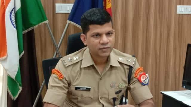 मेरठ के एसएसपी ने दो दिन की छुट्टी लेकर किया यह काम, परेशान हो गए पुलिस वाले
