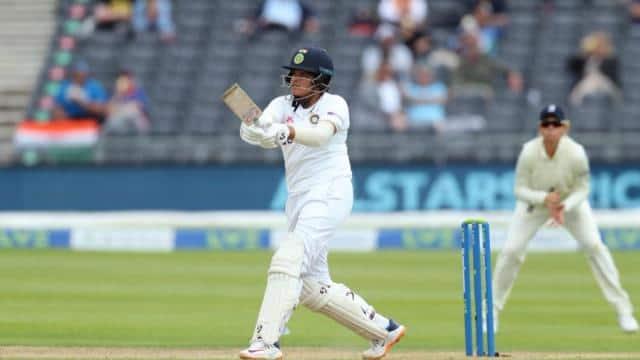 IND W vs ENG W: शेफाली वर्मा ने रचा इतिहास, डेब्यू टेस्ट की दोनों पारियों में फिफ्टी जड़ने वाली पहली भारतीय महिला खिलाड़ी बनीं
