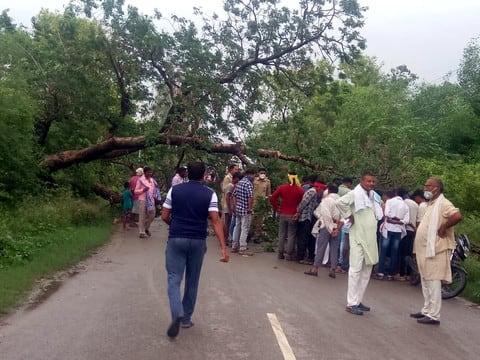 मिर्जापुर। संवददाता लगतार तीन दिनों से हो  रही रुक-रुक कर बरसात आफत का सबब